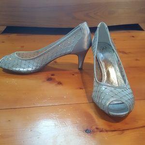 NIB Arianna Papell Heels